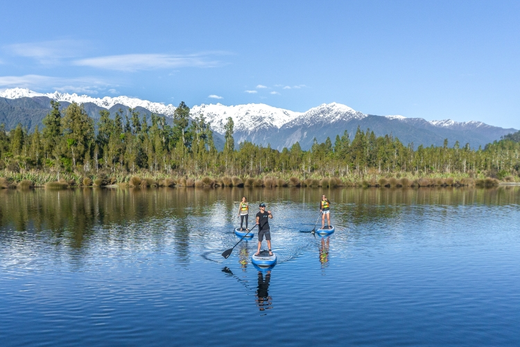 Glacier Country Kayaks - SUP Mountains